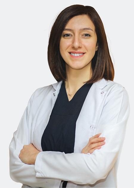 Haartransplantation Spezialistin