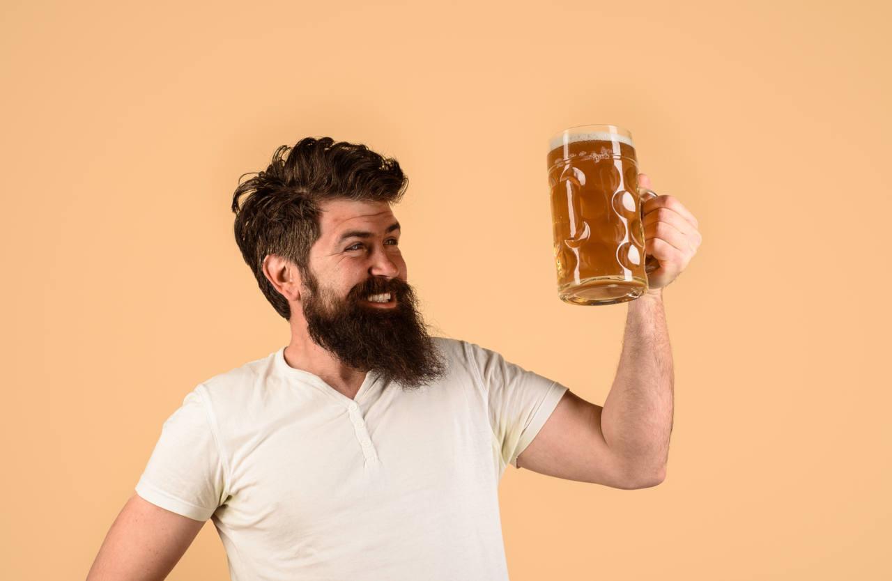 utilisé en application externe, le houblon contenu dans la bière donnera volume et brillance à vos cheveux