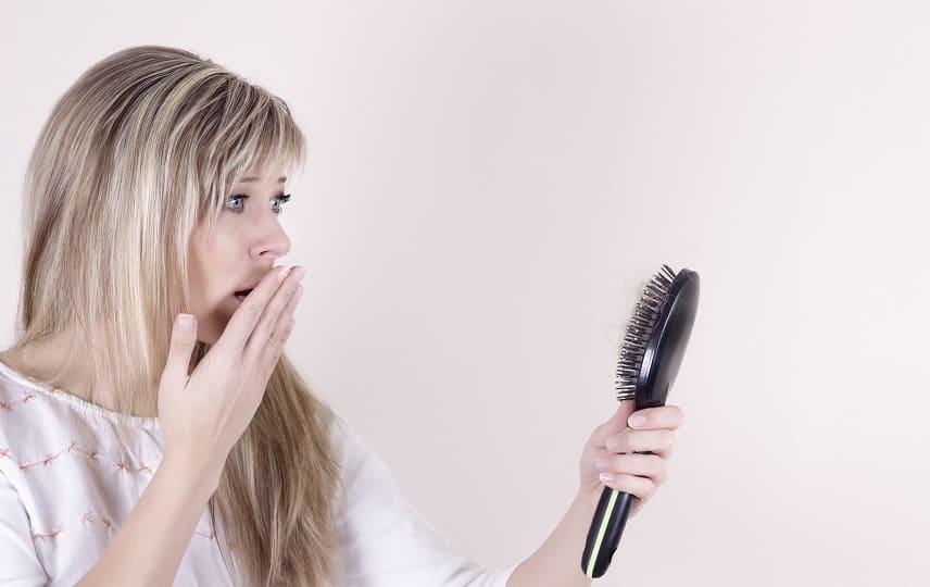 comment traiter une chute de cheveux hormonale