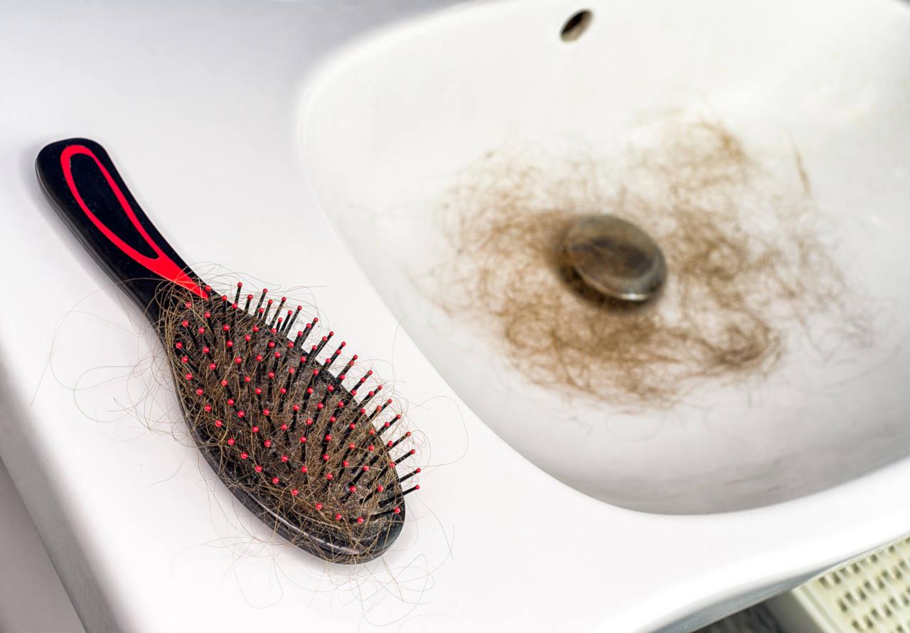 sachez avoir les bons gestes pour réparer vos cheveux abimés avant qu'il ne soit trop tard