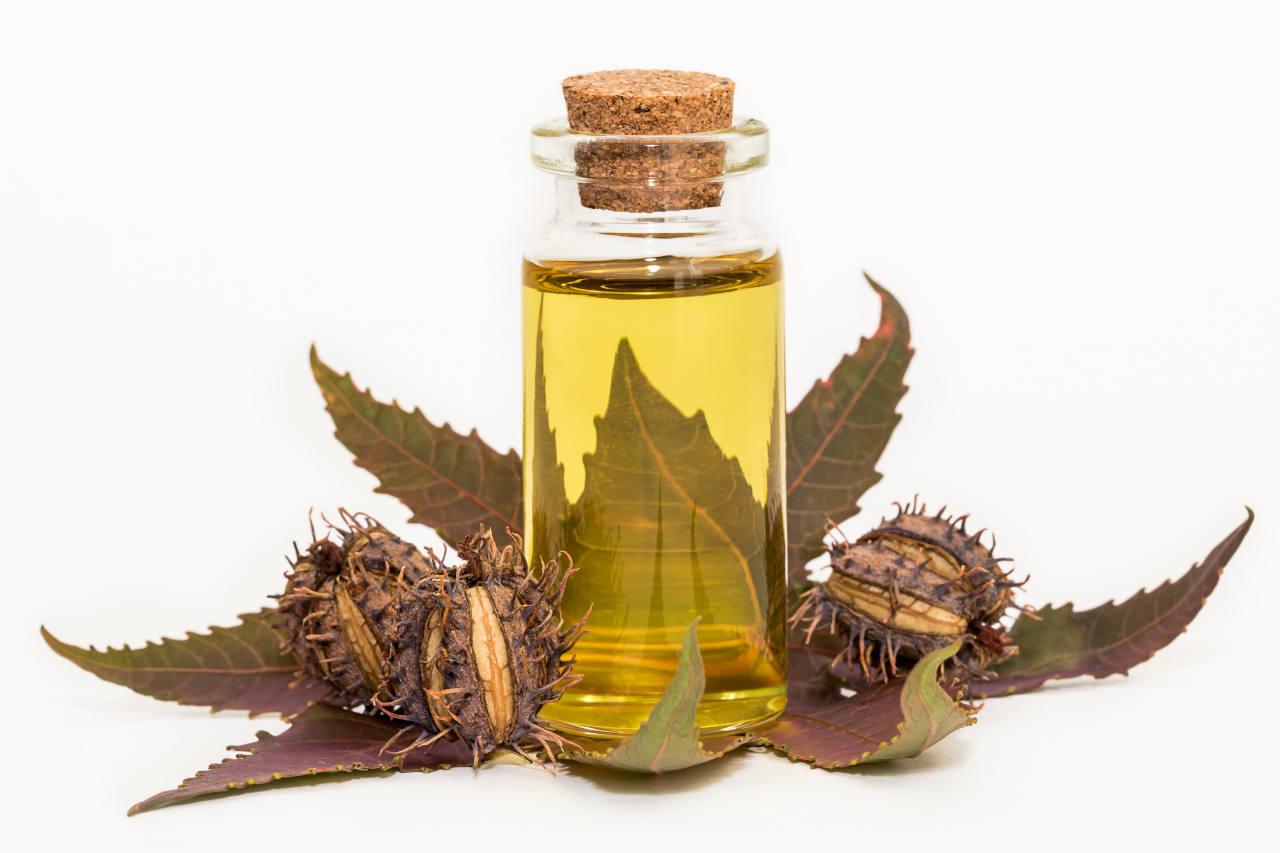 L'huile de ricin, excellent produit naturel pour les cheveux