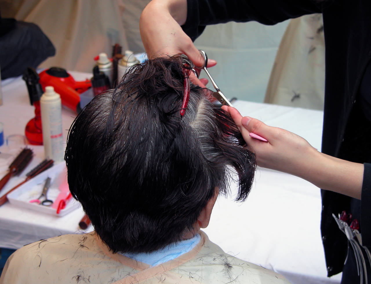 est-il utile d'aller souvent au coiffeur pour se faire pousser les cheveux