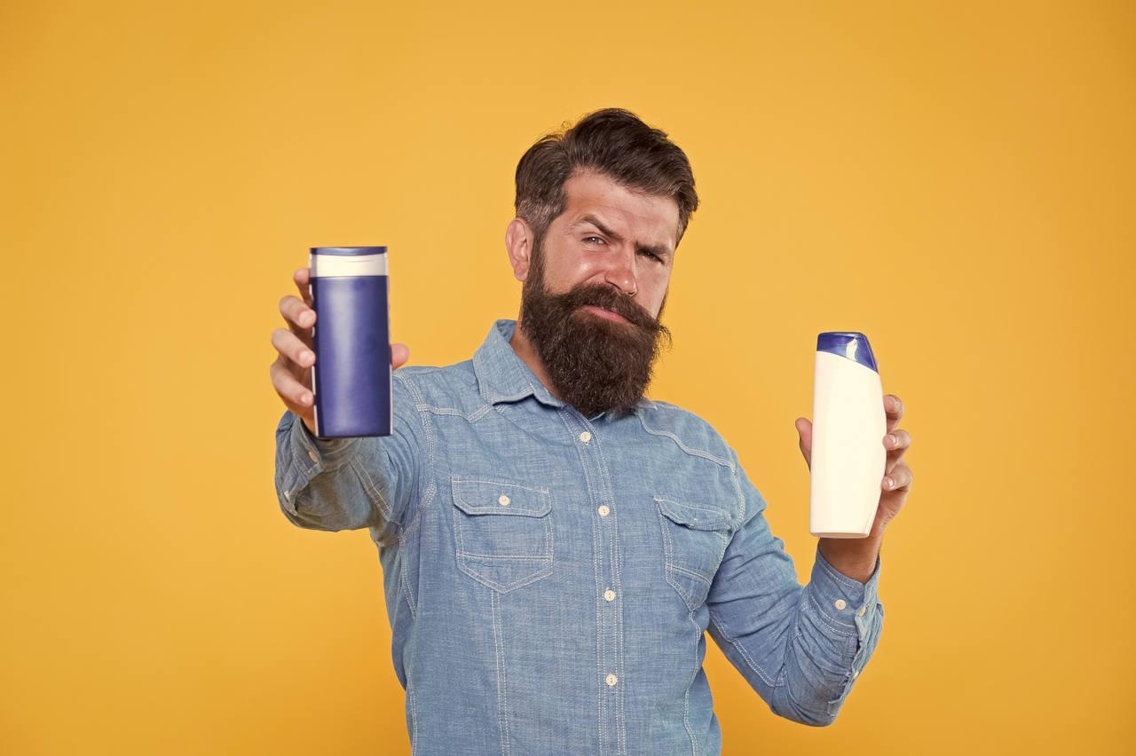 opter pour un shampoing anti pelliculaire ne procure qu'un traitement symptomatique et non une solution durable