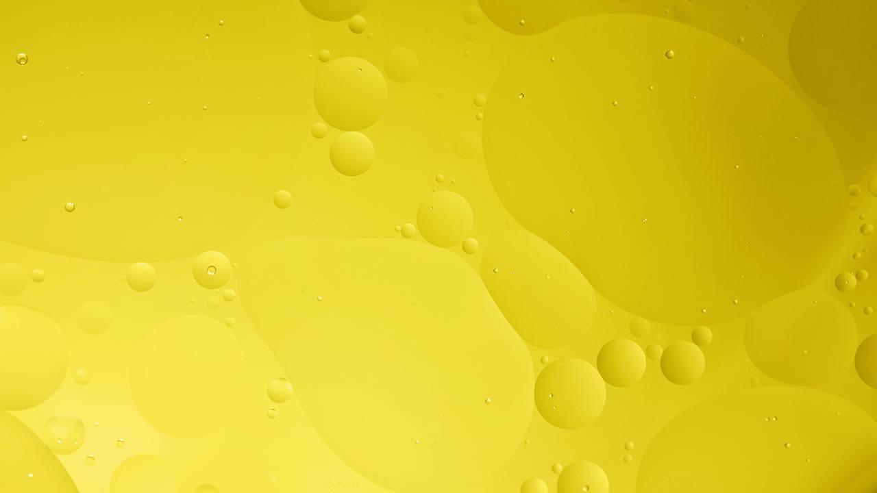 comment utiliser l'huile seche pour sublimer ses cheveux