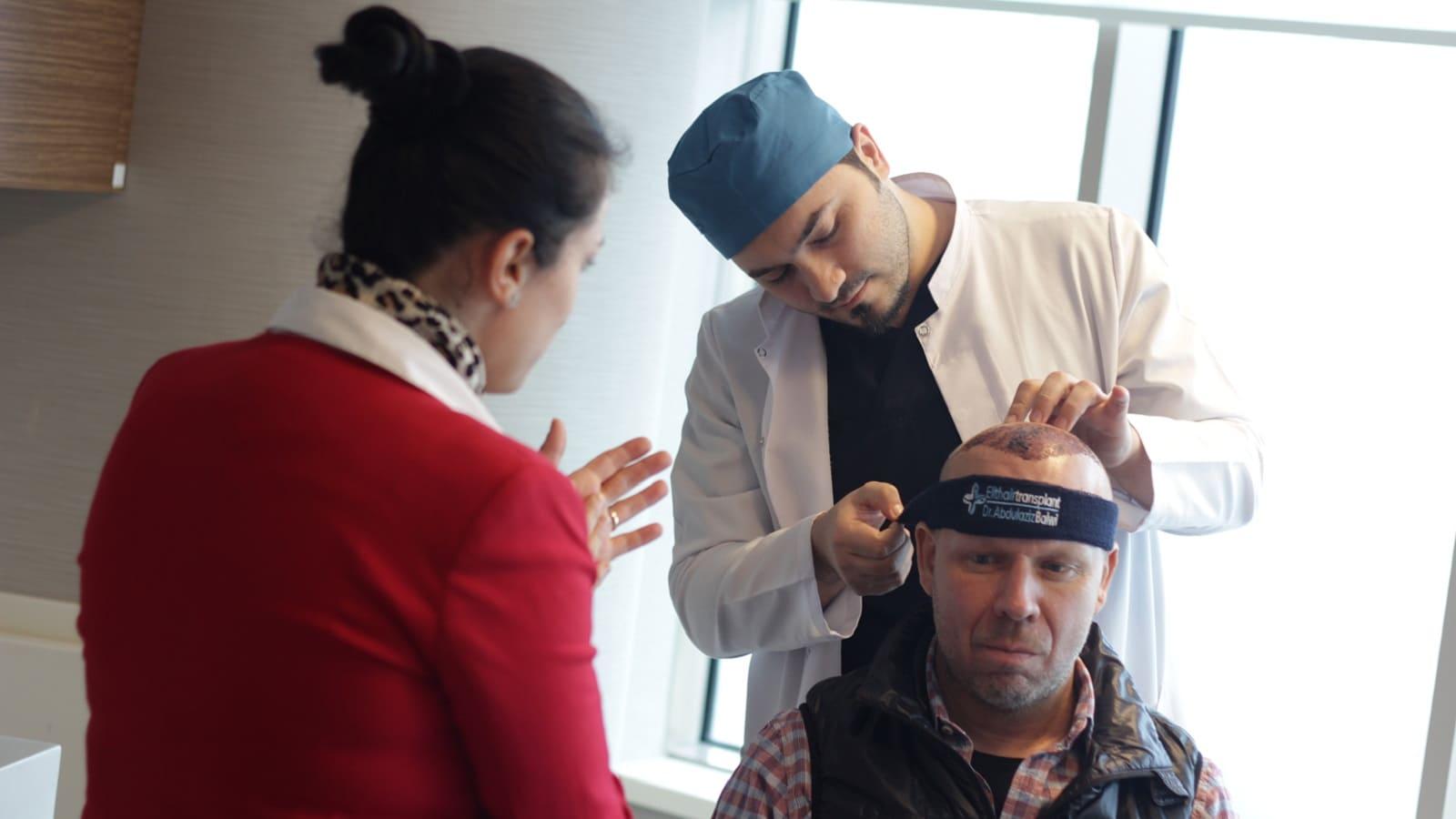 Haartransplantation mit einem Roboter bessere Ergebnisse