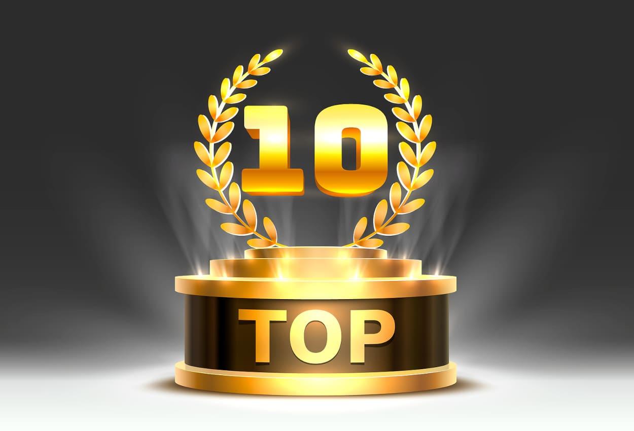 Pokal mit der Aufschrift Top und oben drauf eine goldene 10