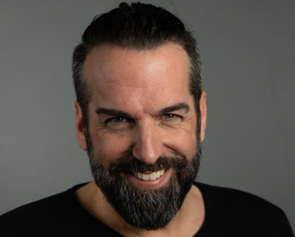 Jürgen Tappe mit seinem Haartransplantations Ergebnis nach 12 Monaten