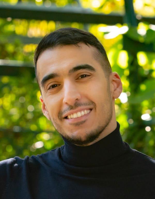 Issam Bayan nach der NEO FUE Haartransplantation bei Elithair