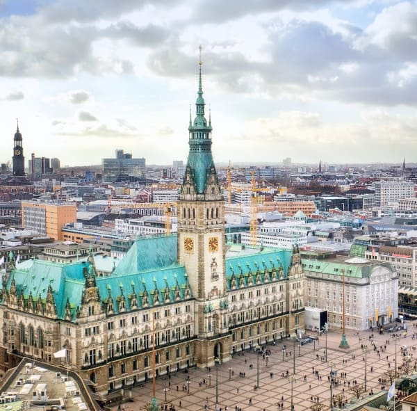 Innenstadt Nähe Praxis für Haartransplantation in Hamburg