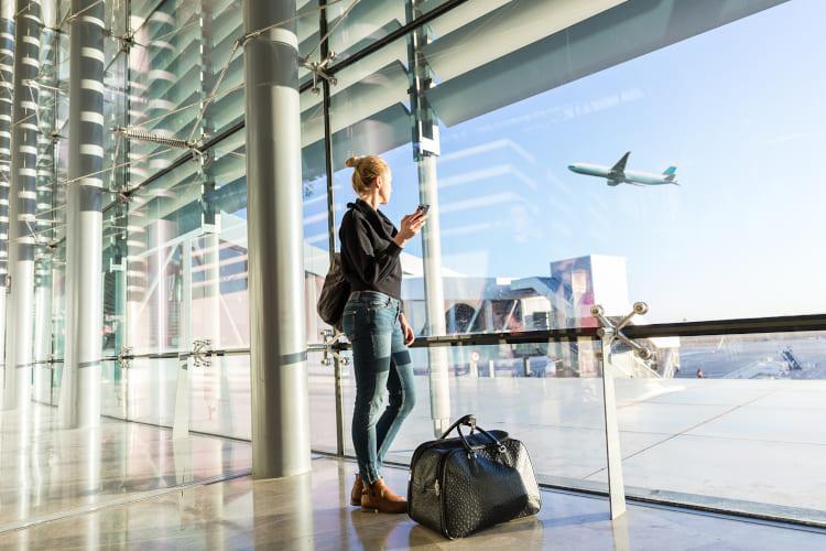 Selina en el aeropuerto de Estambul en el viaje de vuelta a Alemania.