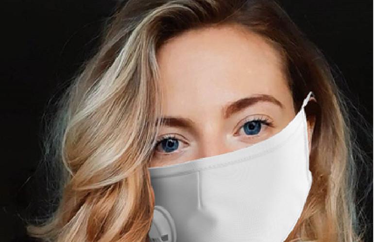 Selina es nuestra enviada a la clínica de injerto capilar en Turquía durante el coronavirus.
