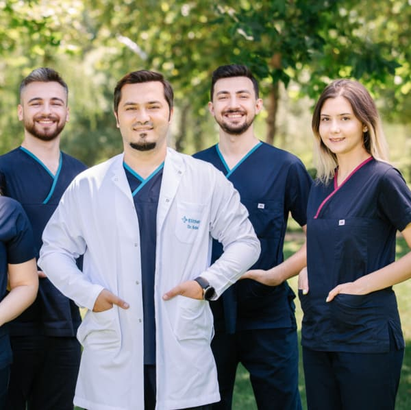 Dr. Balwi und das Elithair Team in Wien