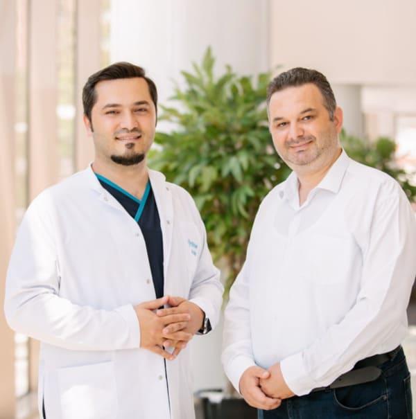 Dr. Balwi und ein Elithair Patient