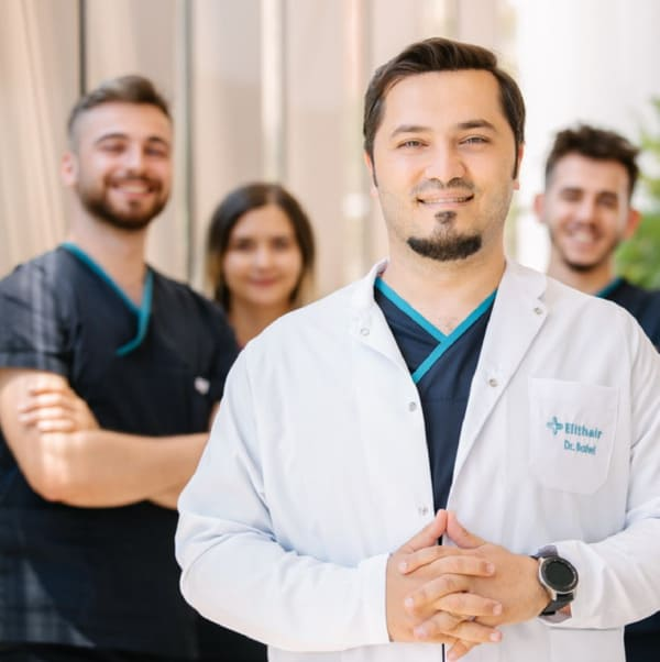 Dr. Balwi und sein Team von Elithair in Berlin