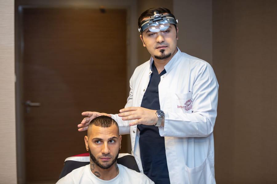 Was hilft bei Haarausfall? Ricardo Quaresma mit Dr. Abdulaziz Balwi