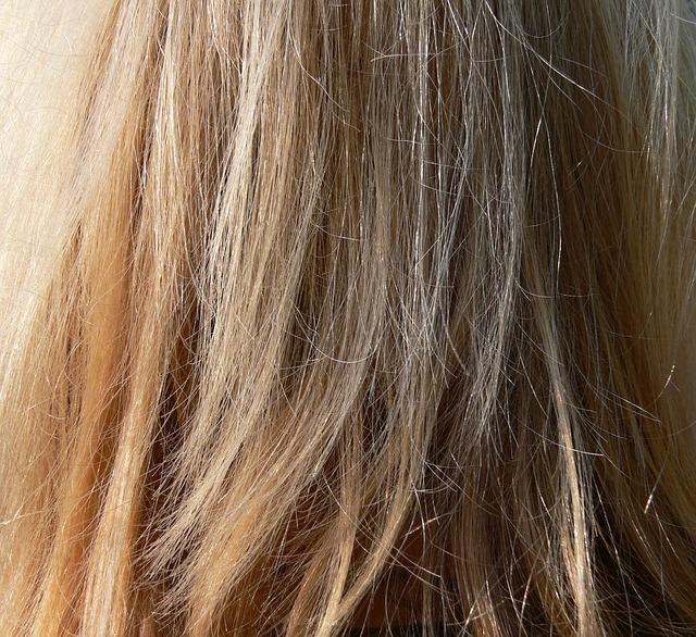 Zerstörtes Haar braucht besondere Pflege