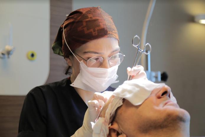 Risiken einer Haartransplantation