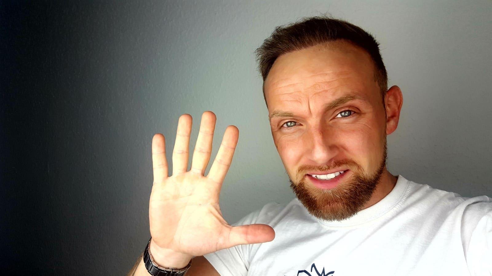 Ernährung, Haarpflege und Haarsysteme - Youtuber und Sportler Richie