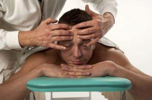 kräftiges und gesund glänzendes Haar -  Kopfmassage