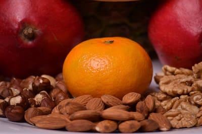 Superfood für die Haare - Orange Nüsse Granatapfel