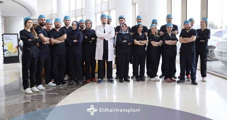 Fragen vor der Haartransplantation Dr. Balwi mit seinem Team