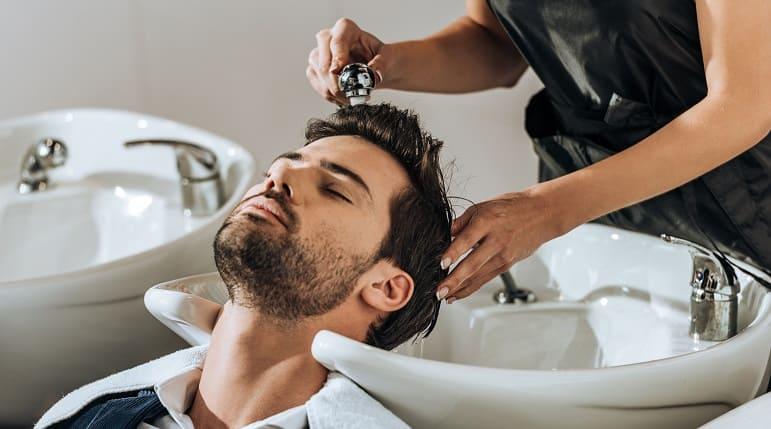 Haar-Mythen - Friseurbesuche beschleunigen den Haarwuchs
