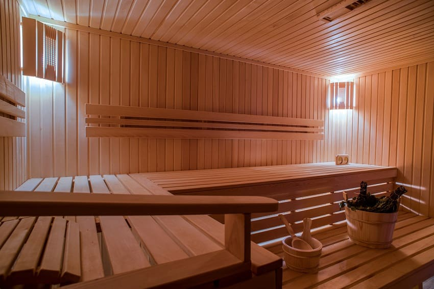 Eine Sauna aus Holz von innen