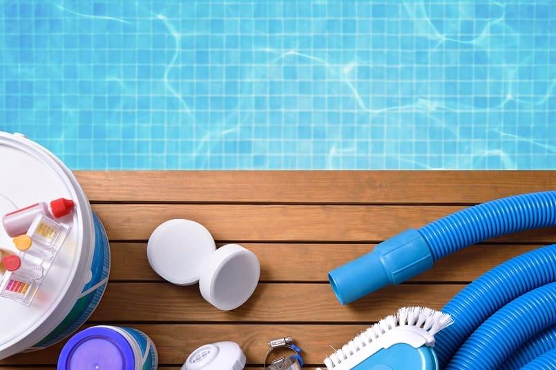 Chlor und andere Chemikalien zur Poolpflege