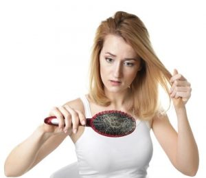 La caduta di capelli in gravidanza