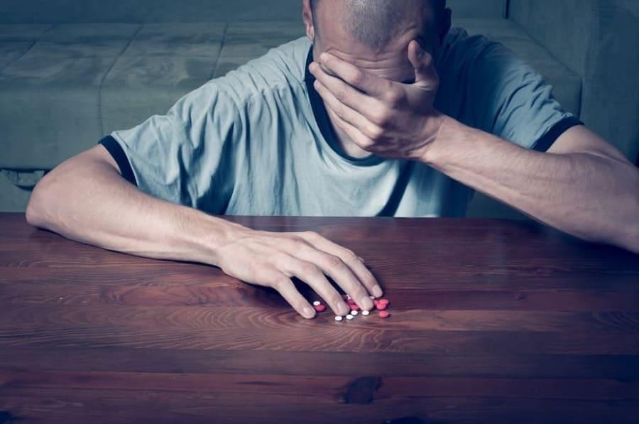 Gli antidepressivi possono causare la caduta dei capelli