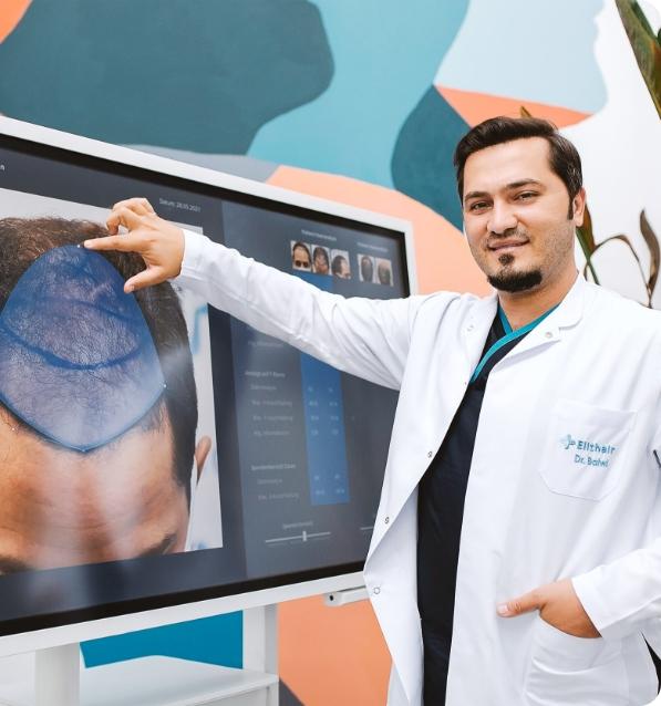 Il Dr Balwi mostra la zona donatrice del paziente
