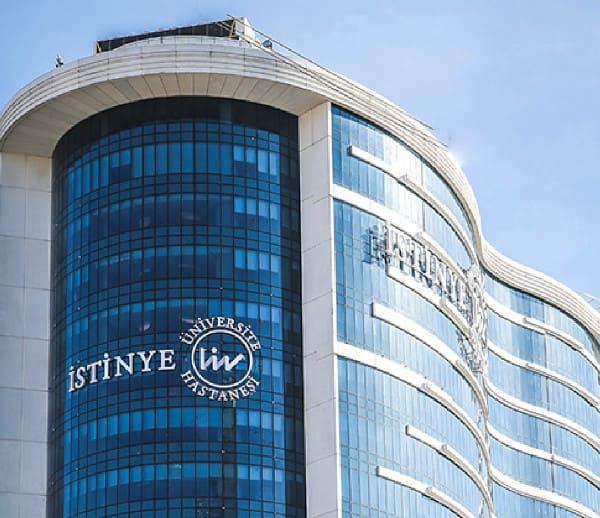 A clínica de perda de cabelo Hospital Universitário Istinye na Turquia
