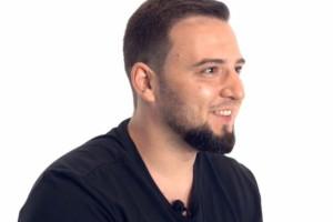 Ver o vídeo com Andrey