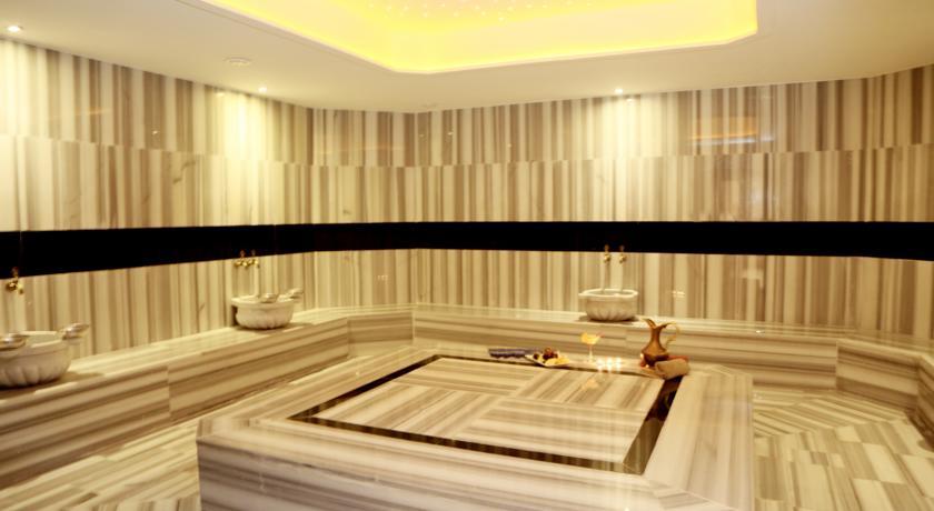 Sauna en Hotel 4 estrellas de lujo en Estambul trasplante capilar Turquia