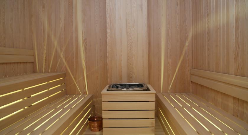 Sauna Hotel 4 estrellas en Turquia trasplante capilar Estambul