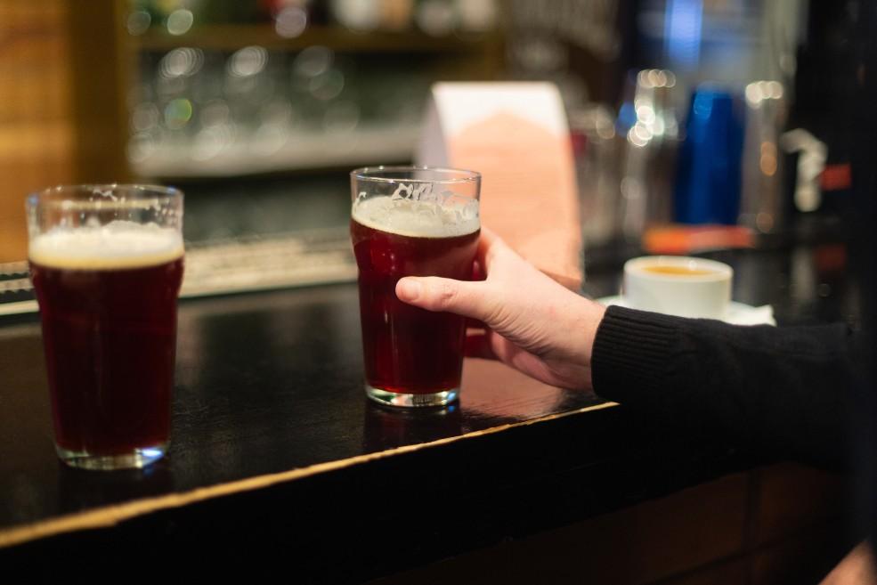 Remedio natural de cerveza para la caída