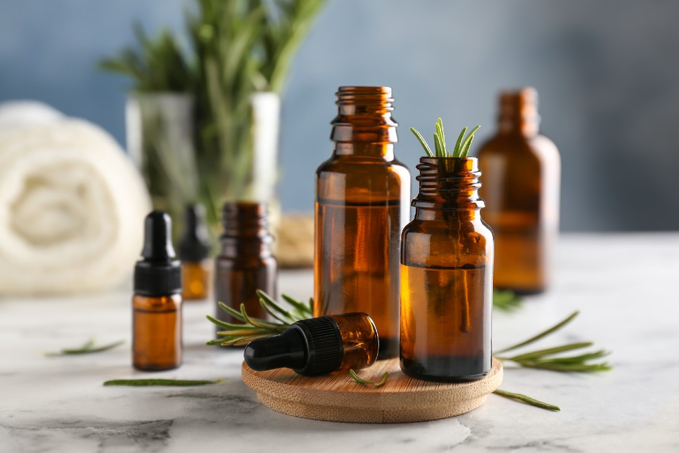 Aceite esencial de romero para la caída del pelo