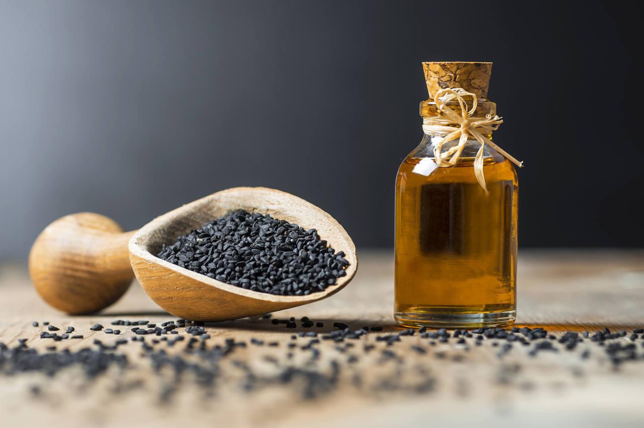 Aceite esencial de semillas negras para la pérdida de cabello