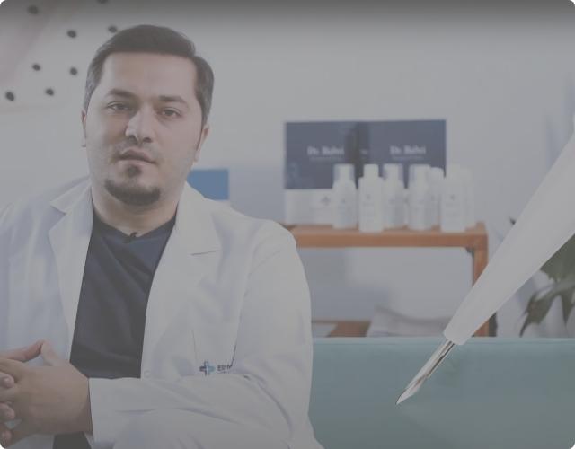 El Dr. Balwi explica la técnica de trasplante capilar DHI