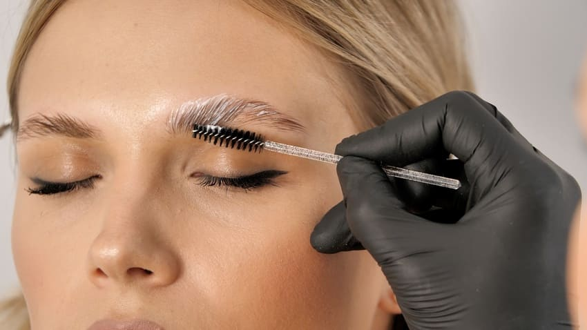 Eyebrow lamination helps to train the direction of brow hair growth