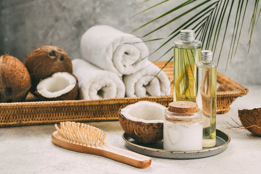 Natural coconut hair oil hydrates your hair